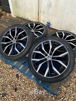 17 Santiago Style Alloy Wheels & Tyres Black/Polished Volkswagen Golf Mk 5 6 7