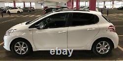 Peugeot 208 2014 1.2 Vti Style Version 5 Toit En Verre De Porte